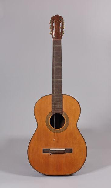 Guitare classique de l'atelier de Julian...