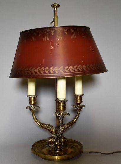 LAMPE bouillotte à trois lumières en bronze...