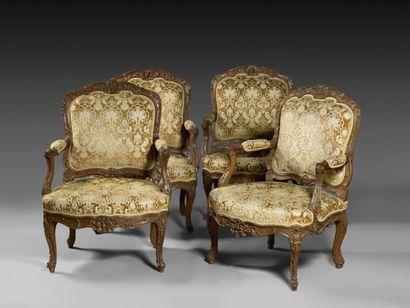 Rare suite de quatre fauteuils à dossiers...