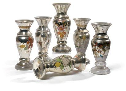 Six vases de forme balustre en verre mercuré,...