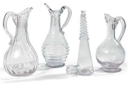 Quatre verreries - Un pichet normand en verre...