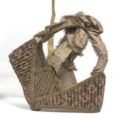 Rare bourrelet d'enfant ou «Pudding cap» en brocart, lampas soie, filé et lame de...