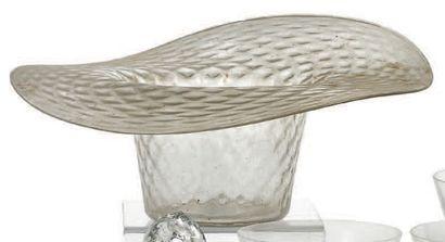 Coupe chapeau en verre imitant la vannerie....