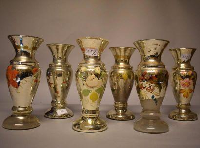 Six vases balustre en verre mercuré.