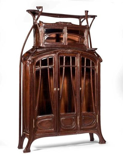 Hector GUIMARD (1867-1942) : Importante vitrine...