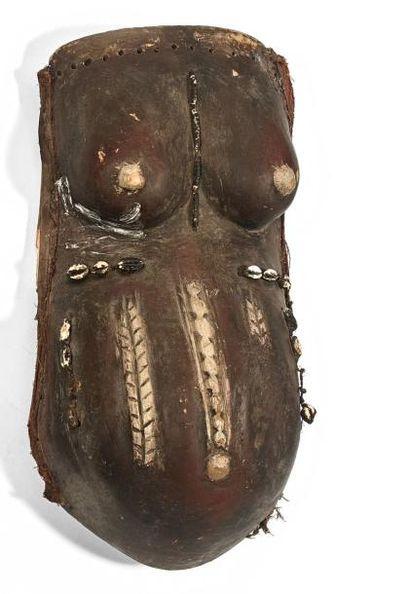 Simulacre de ventre de fécondité Njarowe....