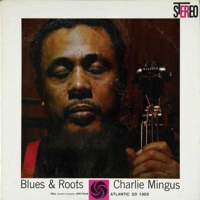 MINGUS Charlie. Lot de 17 vinyles dont le E.O. Savoy MG 12059. E.O. et rééditions....