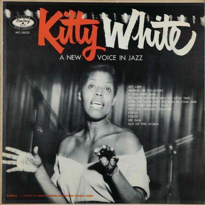 CHANTEUSES DE JAZZ. Lot de 118 vinyles environ dont le Kitty White Emarcy 36020....
