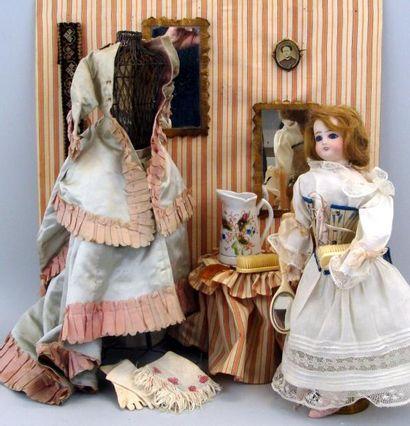 Le boudoir : poupée avec tête en biscuit...