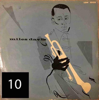 Miles DAVIS : lot d'environ 45 vinyles comprenant...