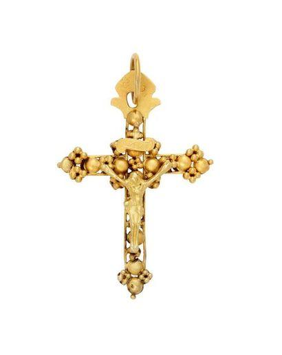 Croix en argent redoré avec Christ en applique...