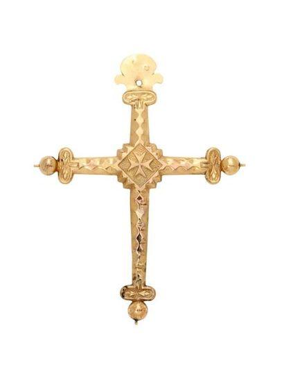 Croix Jeannette biseautée en or à décor estampé...