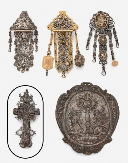 Croix en argent filigrané.  XIXe siècle....