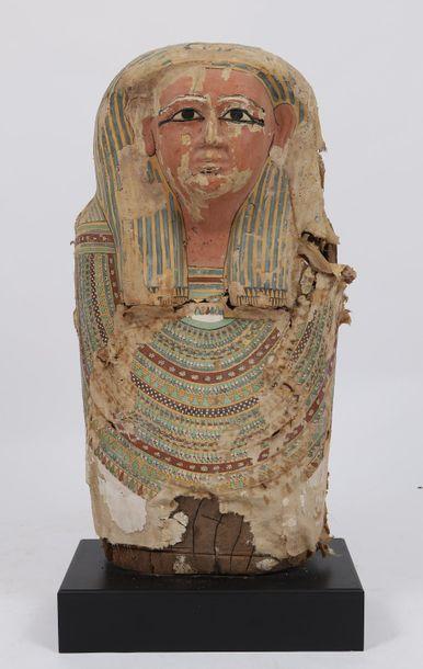 Sarcophage anthropoïde  En bois entoilé et...