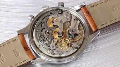 Jaeger, «Jumbo» Chronographe, vers 1950  Rare et large, montre bracelet chronographe...