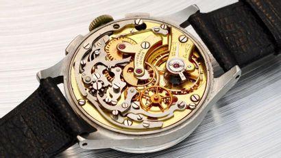 Universal Genève, Compax 30, vers 1937  Rare et attractive, montre chronographe...