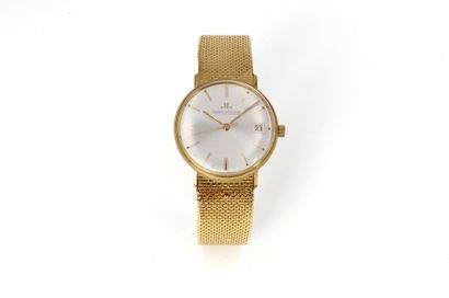 Jaeger-LeCoutre, circa 1960  18K yellow gold hand-wound mechanical watch with date,...