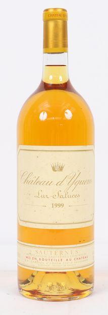 Château Yquem (x1)  Sauternes  1999  Mag...