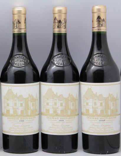 Château Haut-Brion (x3)  1er Grand Cru Classé...
