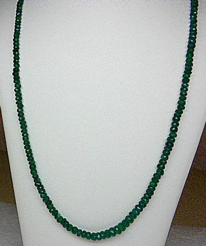 Très beau et très rare, un collier chute...