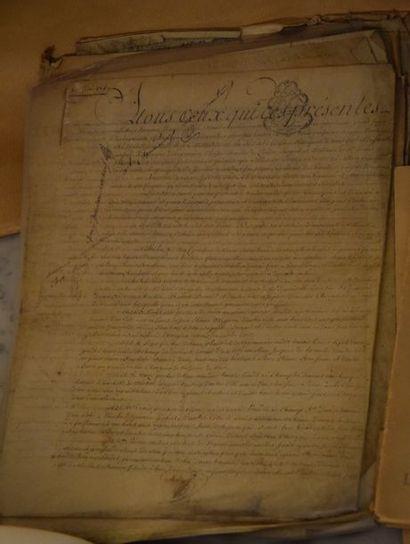 Ensemble de VIEUX PAPIERS, actes notariés…dont...