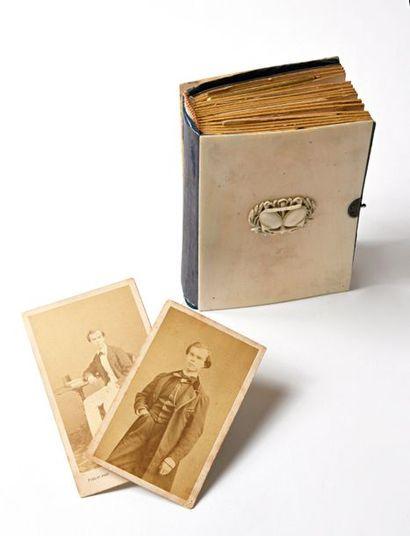 Paul VERLAINE (1844-1896), RARE ALBUM PHOTOGRAPHIQUE DE LA FAMILLE VERLAINE Paul...