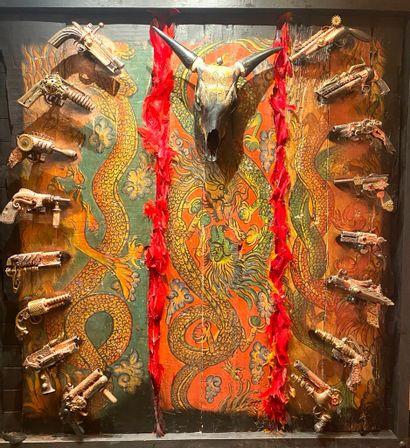 CHAYAN KHOI (né en 1963), Gun. Tableau-sculpture...