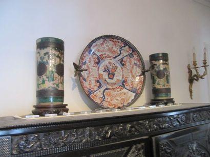 Paire de vases rouleau en céramique à fond...