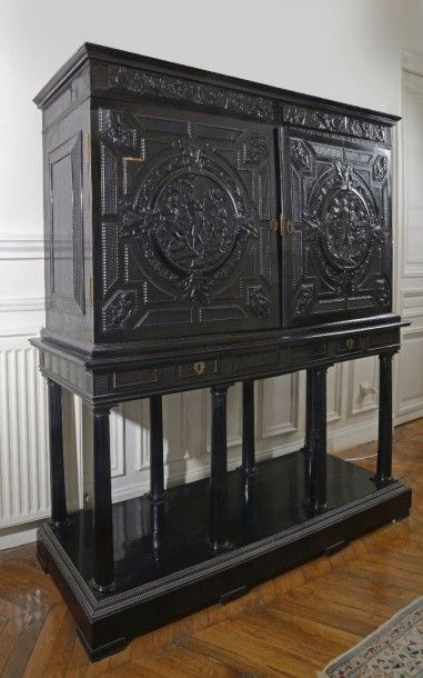 Cabinet en ébène, Paris vers 1640-1660. Cabinet...