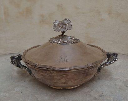 Légumier et sa doublure en métal argenté,...