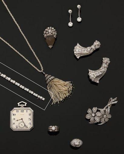 """Bracelet """"Rivière"""" Diamants Bracelet """"Rivière"""" Diamants en platine à 950°/00 et or..."""