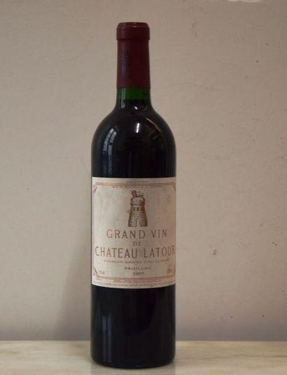 1 bouteille CH. LATOUR, 1° cru Pauillac 1997 (es, elt)