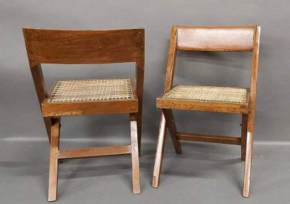 JEANNERET Pierre (1896-1967), Paire de chaise...