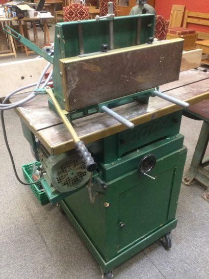 Machine Combinée a bois de marque BABY-UNICOM...