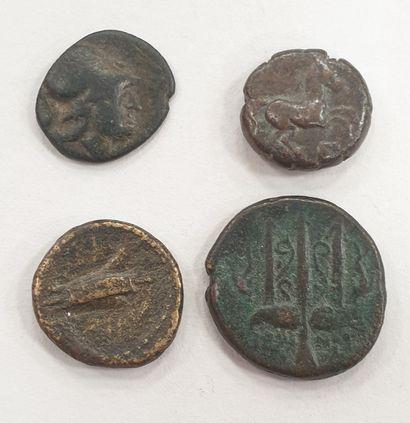 MONNAIE GRECQUE - Lot de 4 bronzes Grecq...