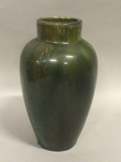 Joseph MOUGIN (1876-1961), Vase en grès moucheté...