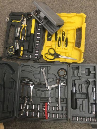 lot de 3 boites de douilles et outils di...