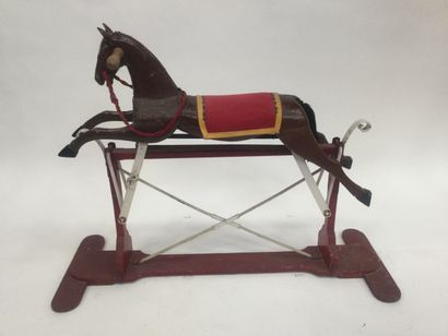 Small wooden horse with system height : 87...