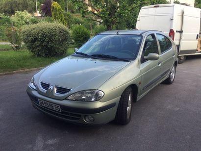 Renault megane année 2000 ; 97263 km; énergie...