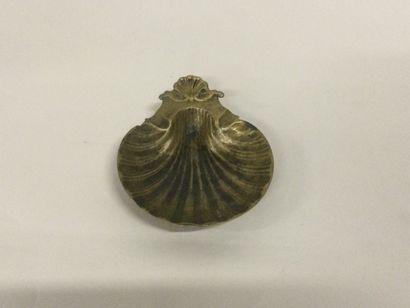 ancien CENDRIER VIDE POCHE coquille en bronze...