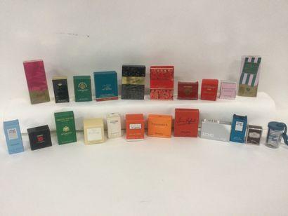 Collection de 22 miniatures de parfum : Lalique,...