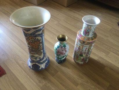 Lot de 3 vases à décor japonisant