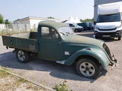 PEUGEOT 202 camionette véhicule de collection de 1947 Moteur essence