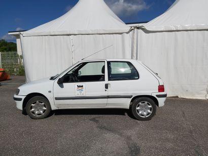 PEUGEOT 106 de 2002 kilomètrage : 60500km Moteur essence  Sans CT