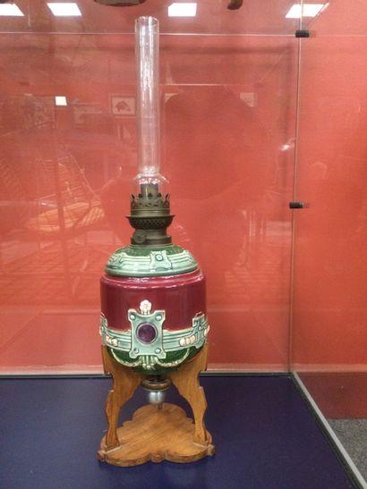 LAMPE à pétrole en faïence XIXe