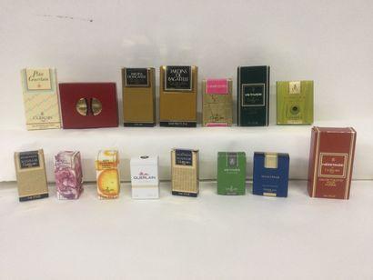 Collection de 15 miniatures pour la marque...