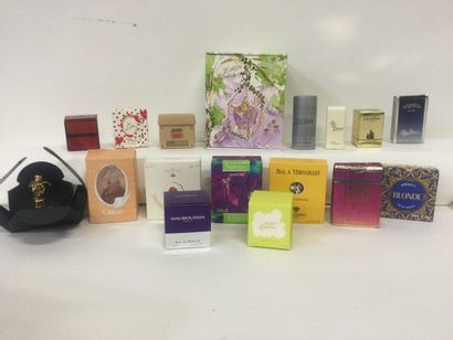 Collection de 17 miniatures de parfum dont...