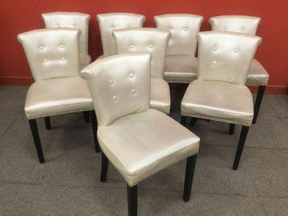 EICHHOLTZ 8 chaises de salle a manger modèle KEY LARGO (petits accidents)