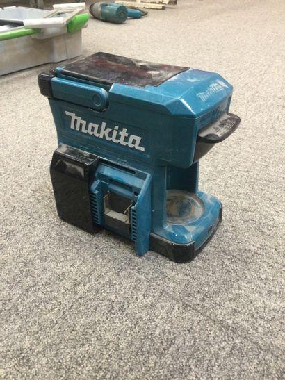 MACHINE A CAFÉ MAKITA sur batterie (vendu...