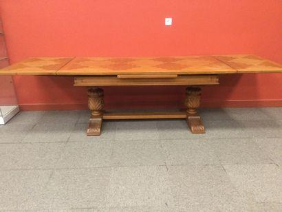 TABLE de salle à manger en bois et placage,...